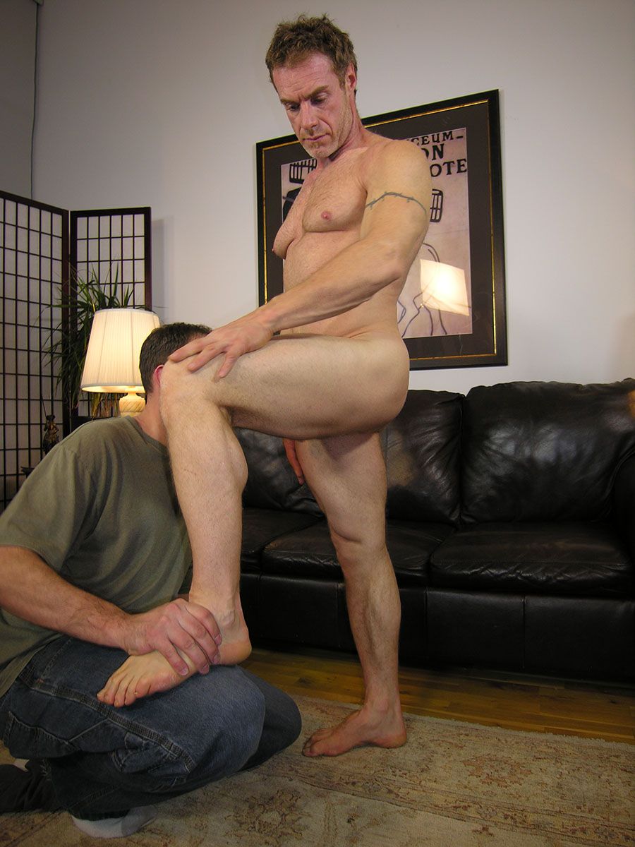 New-York-Straight-Men-Jamie-and-Trey-Redhead-Straight-Guy-Gets-a-Blowjob-from-A-Gayguy-Ginger-Daddy-03 Amateur Straight Redhead Daddy Gets His Ginger Cock Worshipped
