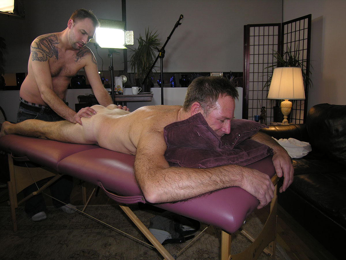 New-York-Straight-Men-Logan-and-Trey-Straight-Hairy-Daddy-Gets-a-Gay-Blowjob-05 Amateur Hairy Straight Daddy Gets A Massage and His Hairy Cock Serviced