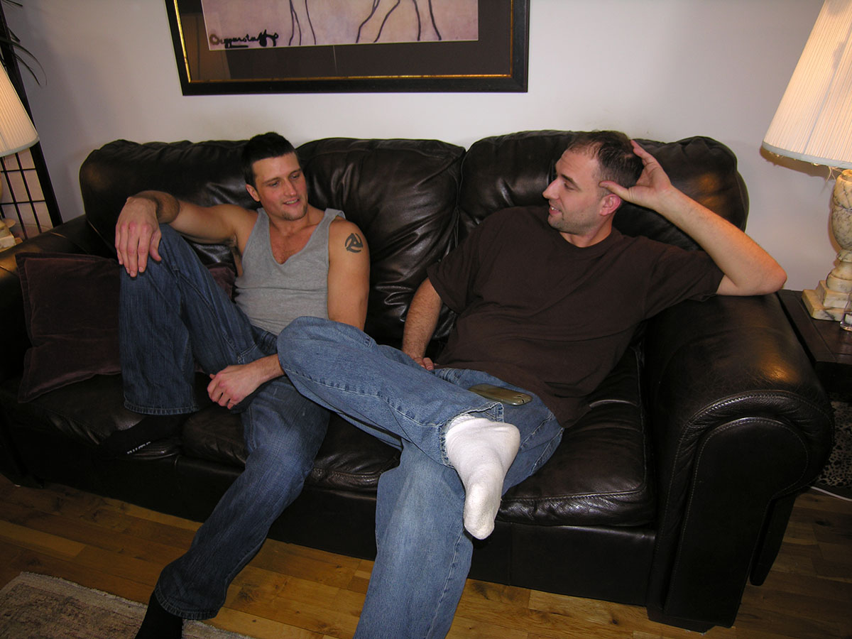New-York-Straight-Men-Paulie-Hairy-Straight-Guy-Getting-His-Cock-Sucked-01 Sexy Hairy Amateur Straight Guy Gets His Cock Serviced By A Gay Guy
