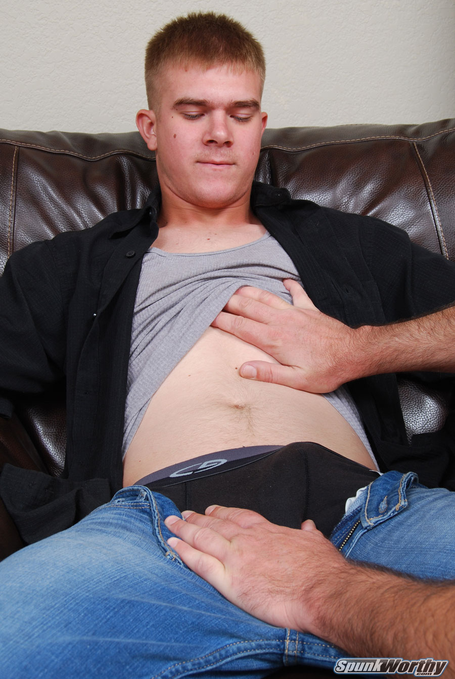 SpunkWorthy-Galen-US-Marine-Getting-His-Cock-Sucked-Amateur-Gay-Porn-01.jpg