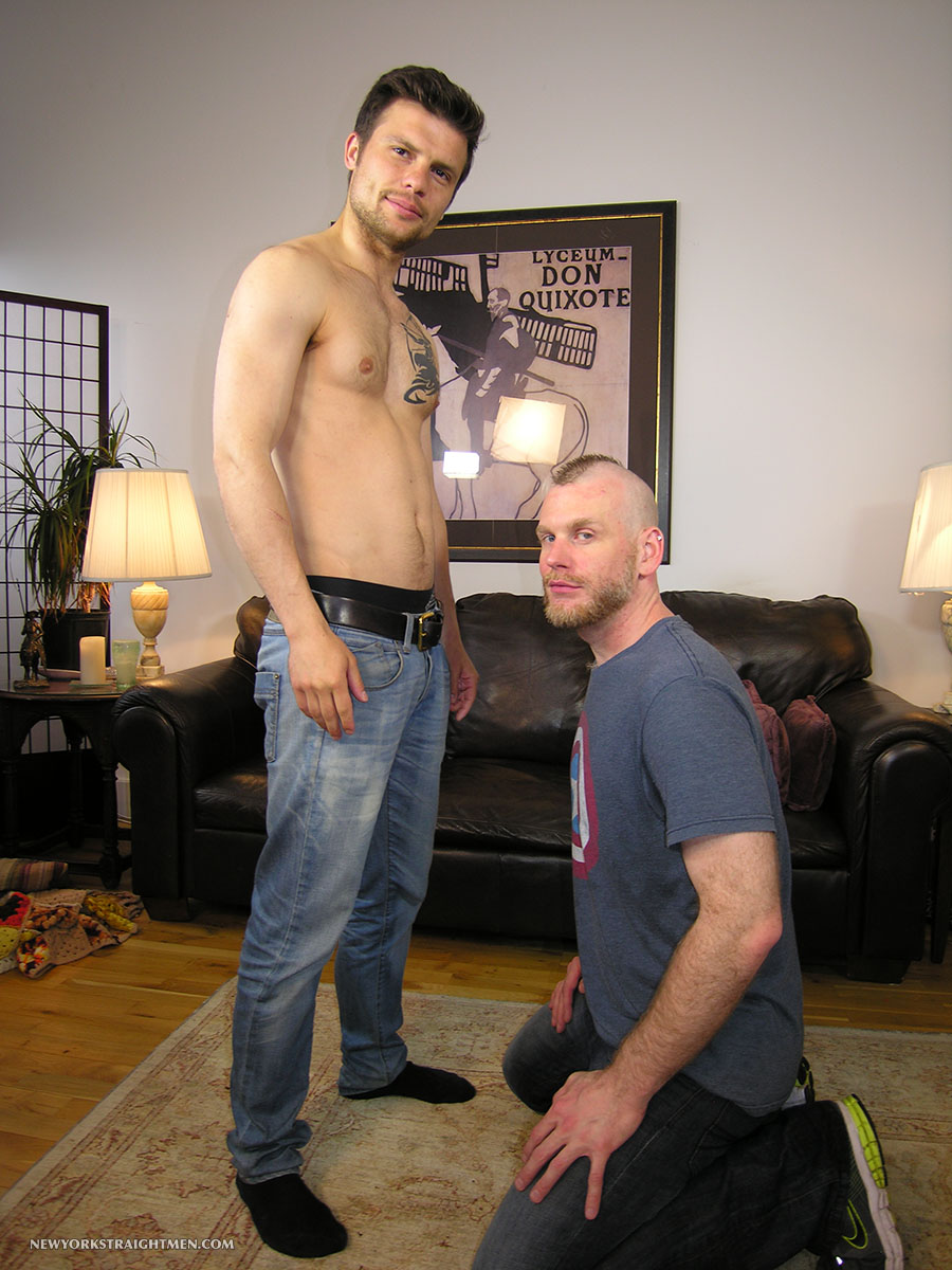 New-York-Straight-Men-Dimitri-and-Sean-Staight-Guy-Face-Fucking-Gay-Guy-Amateur-Gay-Porn-01.jpg