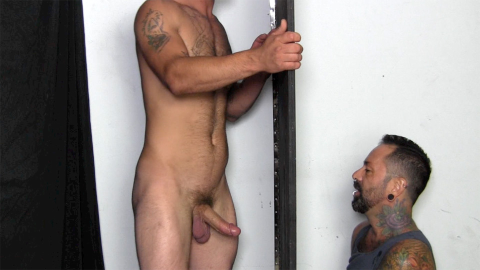 Straight-Fraternity-Teddy-Straight-Army-Guy-Gets-Blowjob-at-Gloryhole-Amateur-Gay-Porn-14 Straight Army Reservist Gets A Blowjob Through A Gloryhole