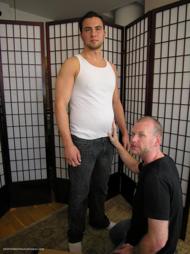 New-York-Straight-Men-Mark-and-Sean-Straight-Guy-Getting-Blow-Job-From-Gay-Guy-Amateur-Gay-Porn-01.jpg