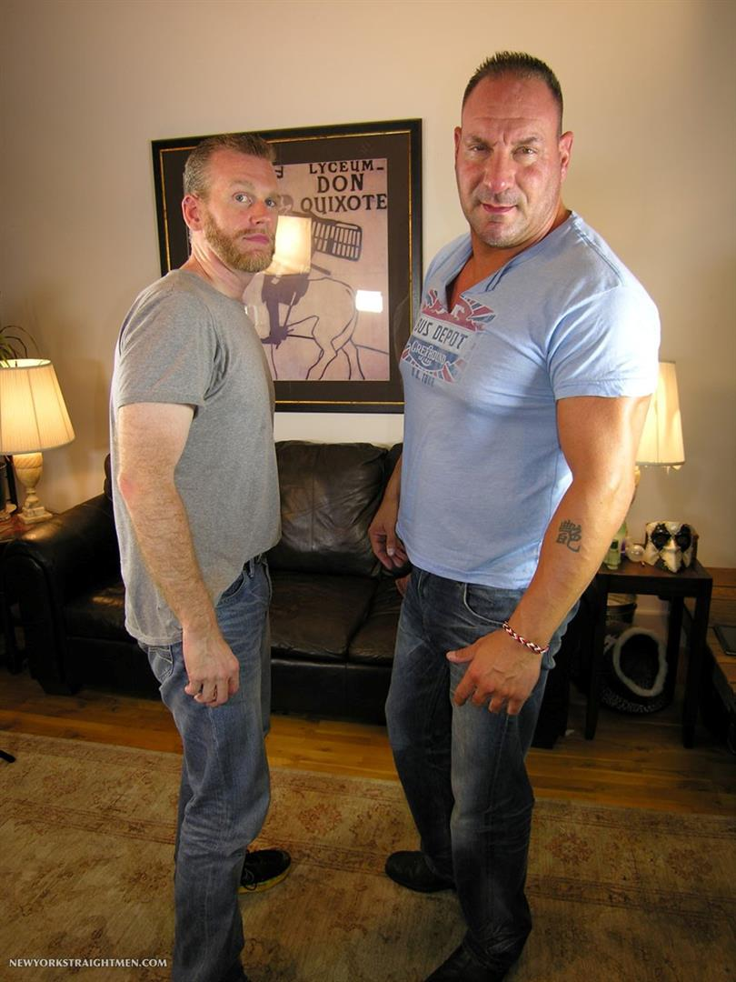 New-York-Stright-Men-Rocco-Straight-Muscle-Daddy-Gets-His-Cock-Sucked-Amateur-Gay-Porn-01.jpg