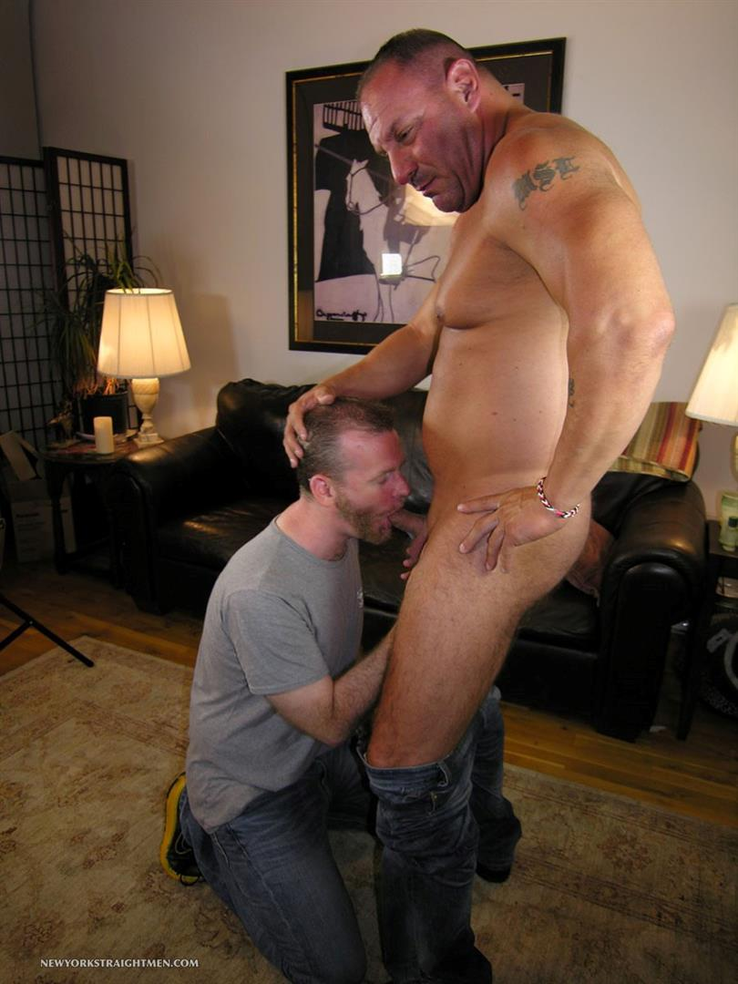 New York Stright Men Rocco Straight Muscle Daddy Gets His Cock Sucked Amateur Gay Porn 03 Amateur Straight Muscle Daddy Gets His Cock Sucked By A Guy