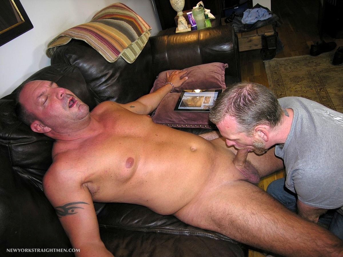 New York Stright Men Rocco Straight Muscle Daddy Gets His Cock Sucked Amateur Gay Porn 09 Amateur Straight Muscle Daddy Gets His Cock Sucked By A Guy