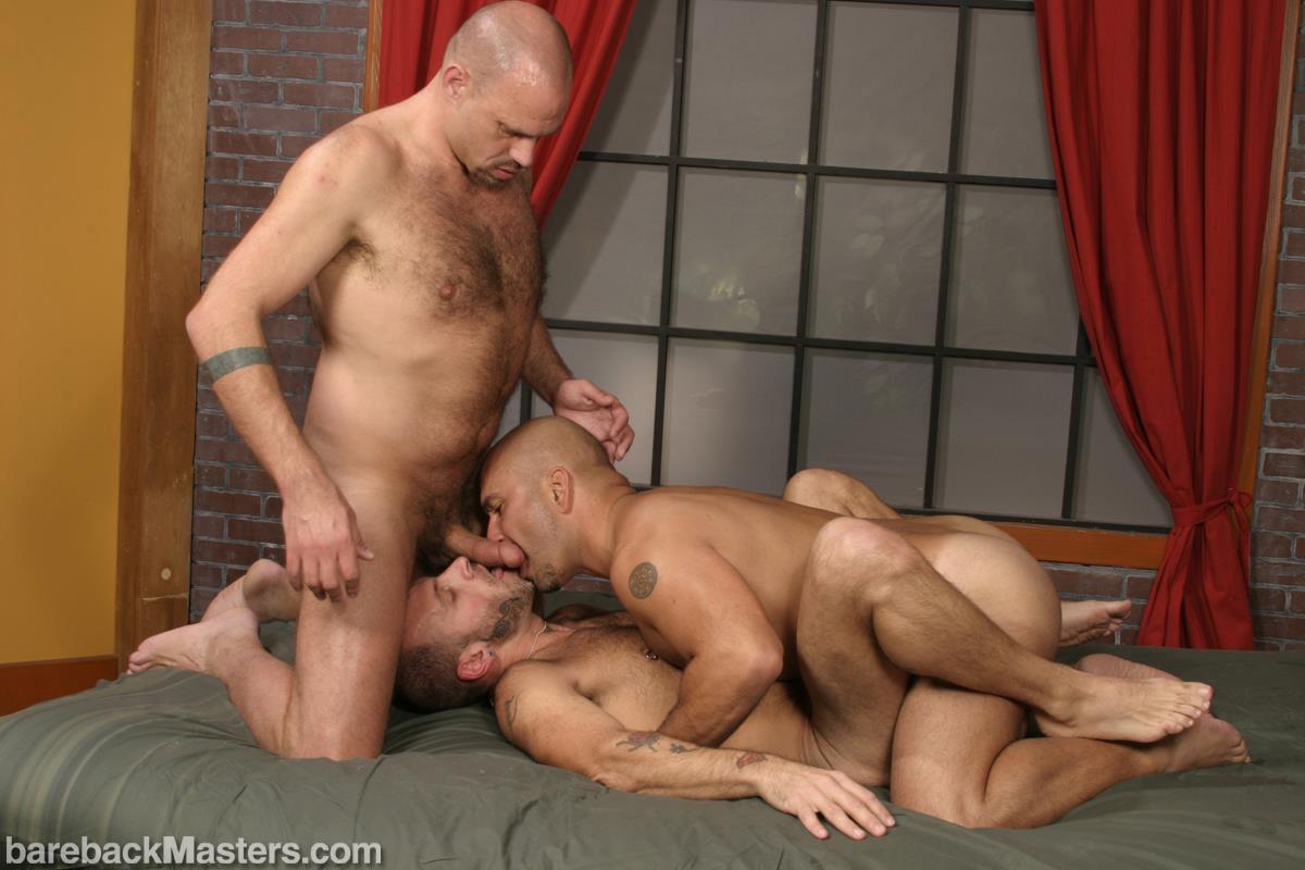 Bareback-Masters-Bud-Allen-and-Sky-Fairmount-and-Patrick-Ives-Hairy-Bears-Bareback-Sex-Amateur-Gay-Porn-08 Craigslist Hookup Leads To A Bareback Threeway With 3 Bears