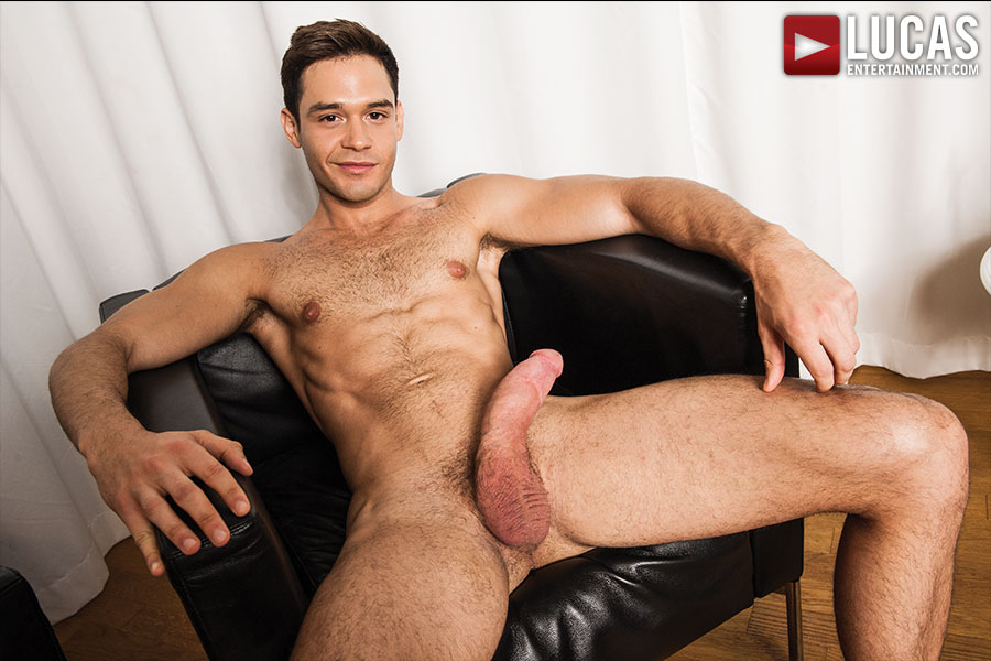 Lucas-Entertainment-Zander-Craze-and-Leo-Alexander-Huge-12-inch-cock-Bareback-Amateur-Gay-Porn-01.jpg