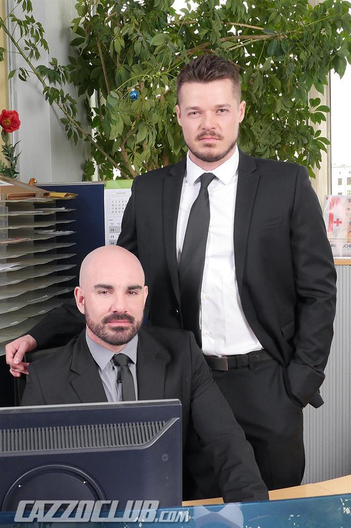 Cazzo-Club-Adam-Darcre-and-Matteo-Valentine-Bareback-Uncut-Cocks-Amateur-Gay-Porn-01.jpg