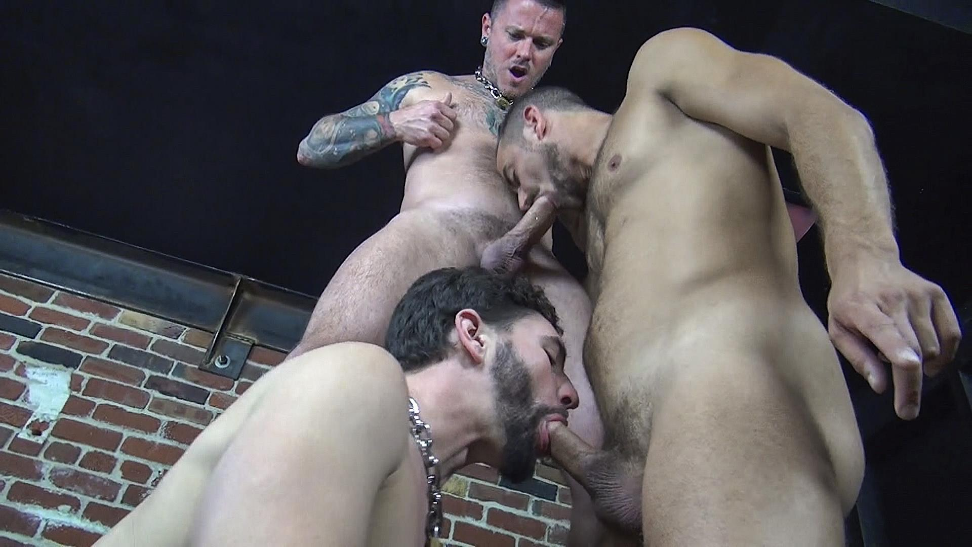 Raw-Fuck-Club-Max-Cameron-and-Jackson-Fillmore-and-Leon-Fox-Bareback-Double-Penetration-Amateur-Gay-Porn-10 Getting Double Penetrated Bareback By A Big Uncut Cock
