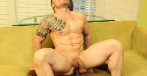 Breed-Me-Raw-Damien-Brooks-and-Russ-Magnus-Interracial-Bareback-Sex-Amateur-Gay-Porn-13.jpg