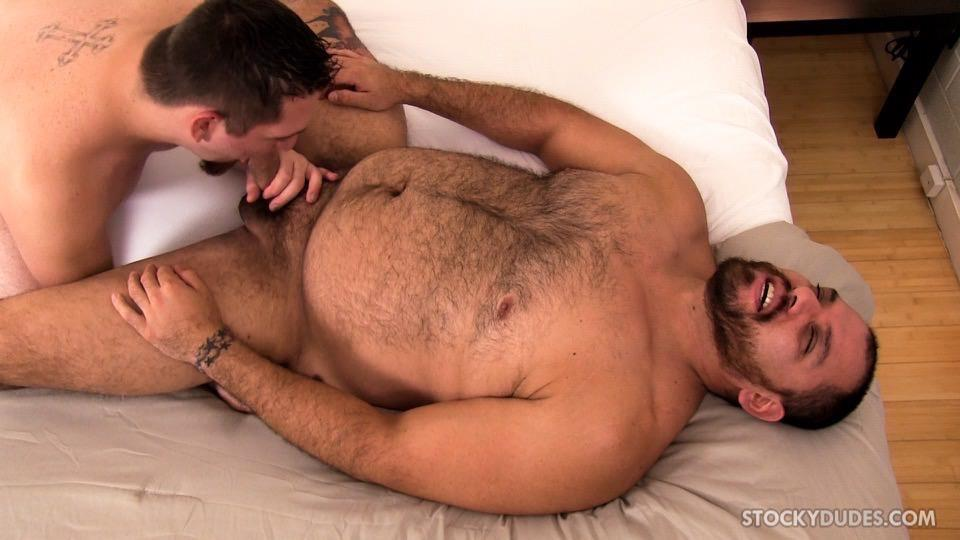 Stocky-Dudes-Dylan-Ventura-and-Evan-Ellis-Bear-and-A-Cub-Bareback-Amateur-Gay-Porn-05 Chubby Cub And A Hairy Muscle Bear In A Bareback Fuck
